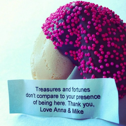 The Fortune Cookie #iphone4 #iphoneography #iphoneonly #wedding #igers #instacanvas #instagram #jenvista #sweet #food #cookie #chocolate #message #favor (Taken with Instagram)