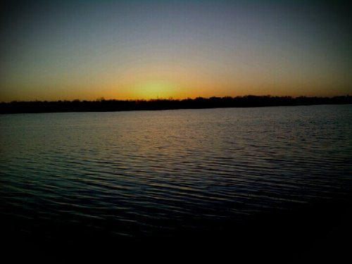 🎶 🎶 Sitting On The Dock Of The AZ Lake… Letting My Troubles Drift Away🎶 🎶#sunset #lakeside #andrography #relaxation(from @LiBRABRiLLANCE on Streamzoo)