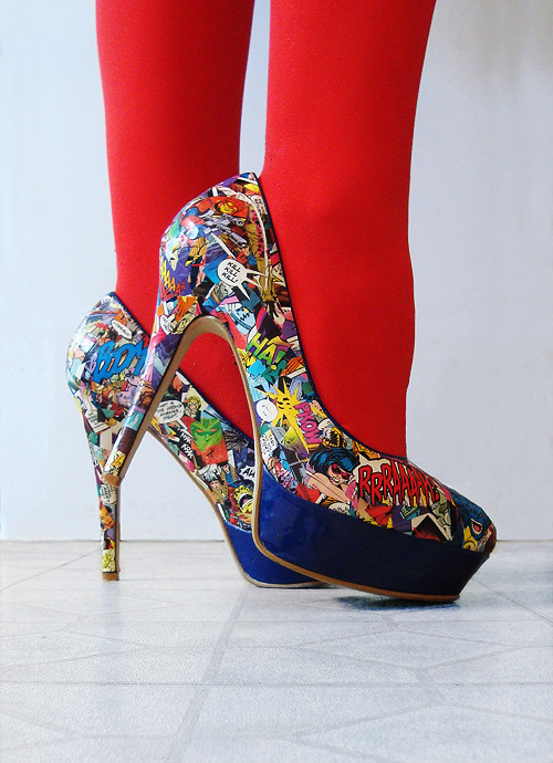 DIY Killer Comic Book HeelsPricetag: Around £15Time: Eight hours per shoe (I'm a perfectionist and I have big feet) Brief tutorial under the cut. Read More