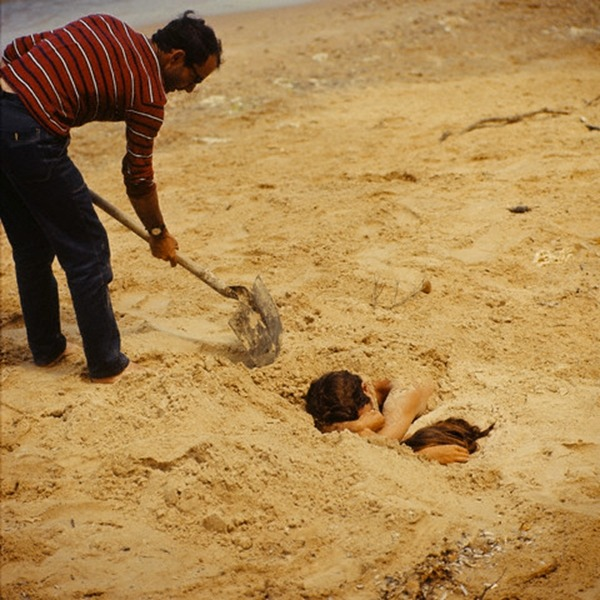 waltdisneywithblood:  On the set of Pierrot Le Fou (1965, dir. Jean-Luc Godard). (Via)
