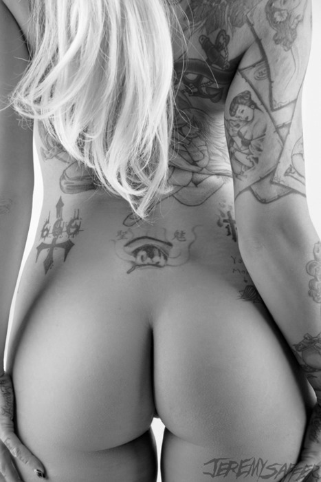 hotinkedgirls:  another amazing bum #hotinkedgirls