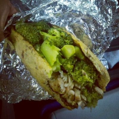 #broccoli and #chicken #pesto #wrap! #Recipe is somewhere on my profile's website. #delicious #food #foodporn #healthy #fitblr #healthyfood (Taken with Instagram)