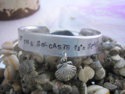 """The Sea Casts It's Spell"" Bracelet by blingfordivas on Etsy"