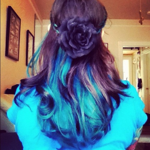 My super cute Sailor Venus inspired #hair. #teal #turquoise #rose  (Taken with Instagram)