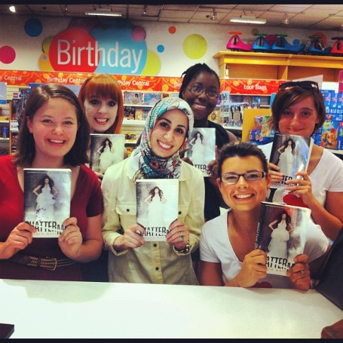 Tahereh Mafi with fans at Yorkdale book signing, Toronto