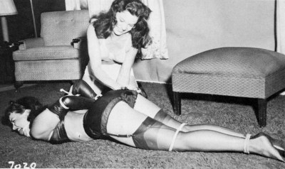 Simply love those RHT vintage stockings.