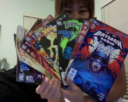 Got these a couple of days ago BUT totally found a new stash of Teen Titans at Half Price Books along with a two Batman and Robin comics~ BWAHAHA I got Kim and Maria to help me sift the remaining stock of comic books and managed to find: Batman and Robin #20 from April 2011 Batman and Robin #4 from February 2012 Teen Titans #42 from February 2007 Teen Titans #57 from May 2008 Teen Titans #58 from June 2008 Teen Titans #92 from April 2011 Teen Titans #97 from September 2011 Teen Titans #99 from October 2011 AHHH I WANT MOAR @____@C