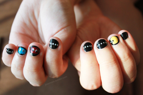 This weekend I also did my awesome friend's nails. They were her idea. =D WAKKA WAKKA WAKKA! I used Essie's Licorice, Sally Hanson's Insta-Dry Brisk Blue, Revlon's Top Speed Electric, and a white Sally Hanson Nail Art Pen.