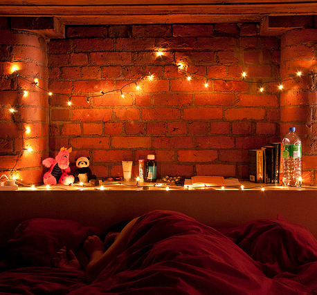 Simple bedroom lighting using string lights