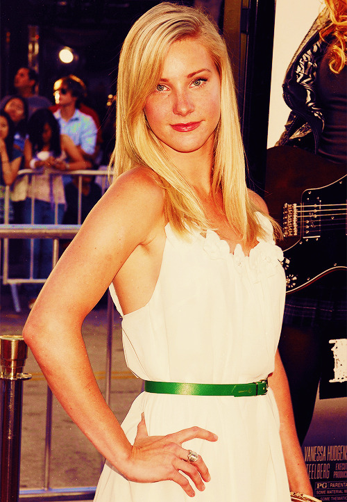 [2/50] photos of heather morris
