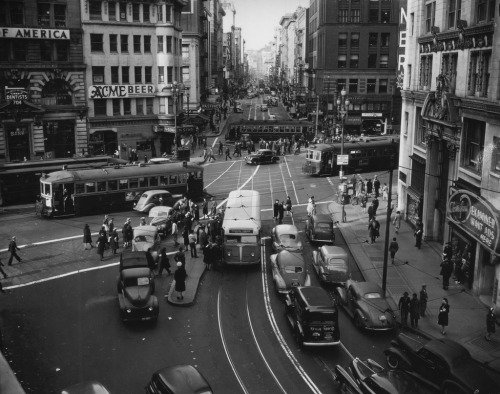 bygoneamericana:  Market Street and Third Street Intersection, San Francisco, 1945.