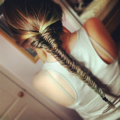 dope-daze:  Fishtails & Green tips doe @marissaparra  (Taken with Instagram)