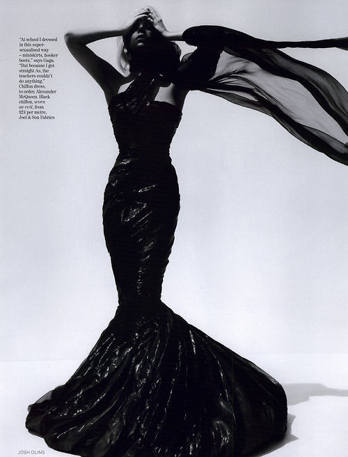 extrarisque:  Vogue UK, October 2009