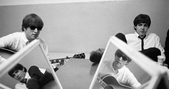 intweetion:  Happiness is an Unseen Beatles Photo