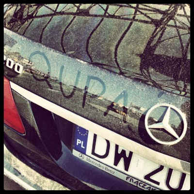 mameluch:  oł #mercedes #mercedesbenz #car #dust #dirt #shit (Taken with Instagram)