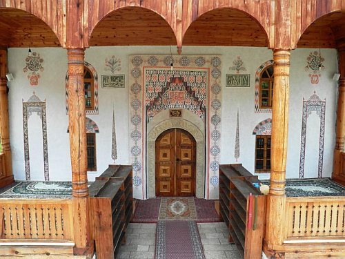 xxsmiledesignxx:  Mosque in Tesanj, Bosnia and Herzegowina