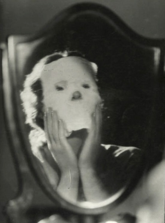 frenchtwist:  via in-circles * vintague:  Bea Toil, Face, ca 1920