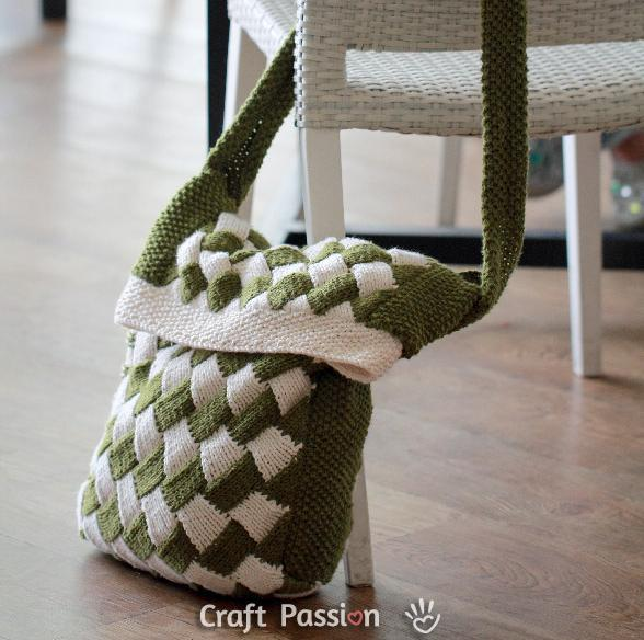 Knit Messenger Bag with Linning Tutorial.
