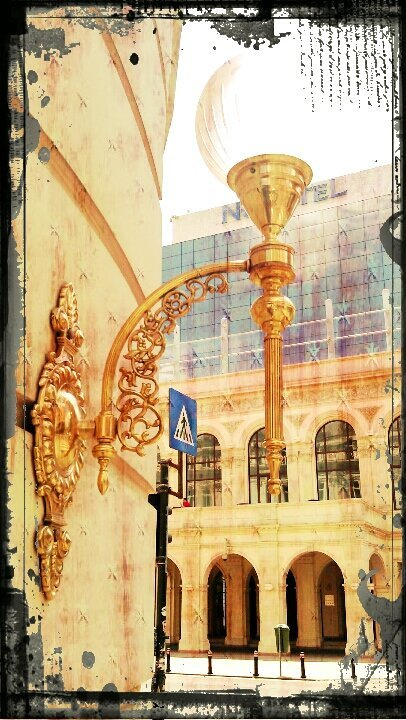 Old street lamp#flowers #Bucharest(from @VEBO on Streamzoo)