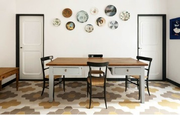Super sized hex tiles look fab! Via Emma's Design Blogg