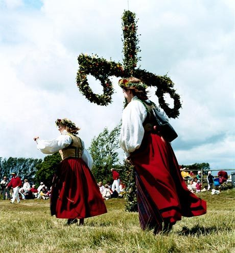 yesterday was midsummer sang songs/danced around the maypole