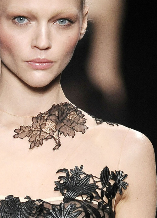 somethingvain:  Valentino Haute Couture F/W 2010