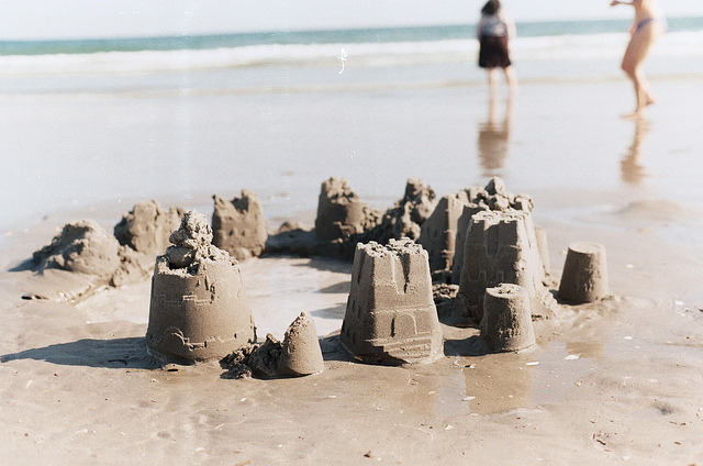 c0ffee-cups:  Beach by Angie Yan on Flickr.