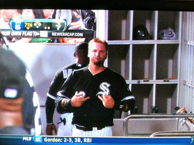 morrowplanet:  AJ FOR LYF  The secret handshake of White Sox Nation…now you know.