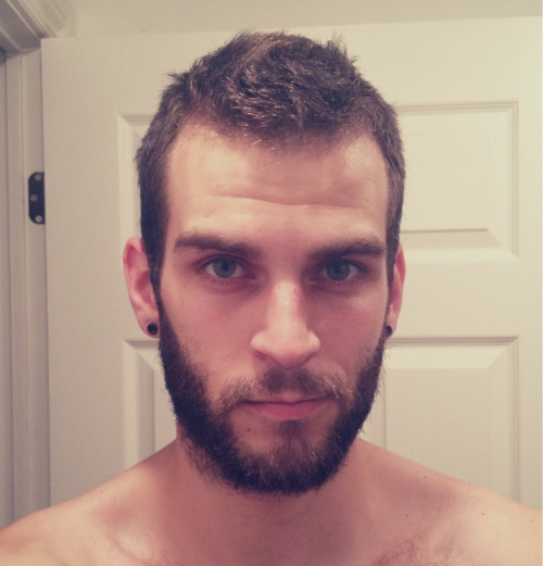 abeardedboy:  you are one hot fukker!