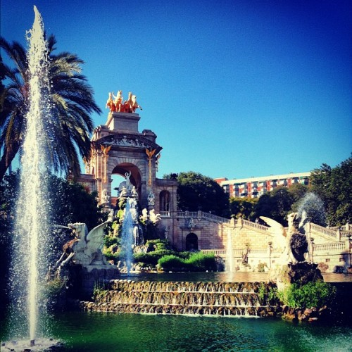 This fountain is sort of kind of pretty (Taken with Instagram at Parc de la Ciutadella)