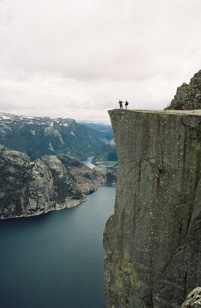 13neighbors:  Preikestolen (by xTorfinnx)