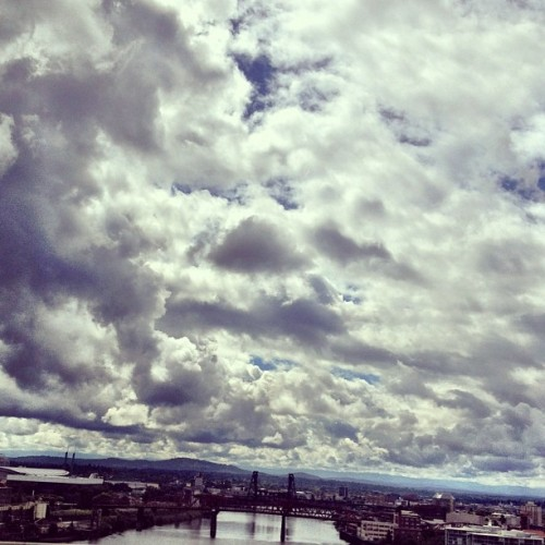 noahnye:  I love me some Portland skies. #pdx, #portland, #sky (Taken with Instagram)