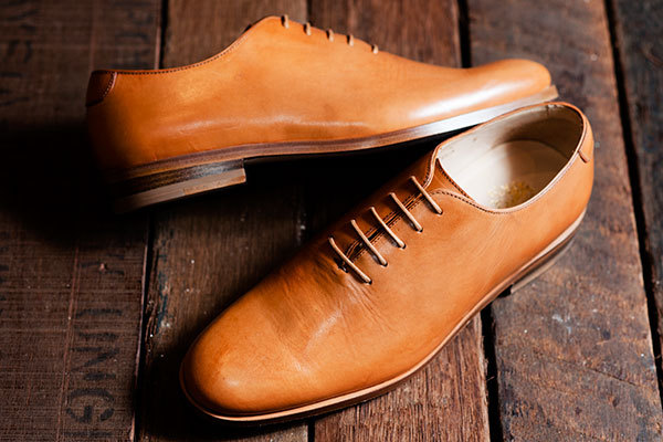 Mr. Hare Fela shoes. I love the whole-cut design, hidden eyelets and the colour (the soles are white). The creases add to the appeal, too.