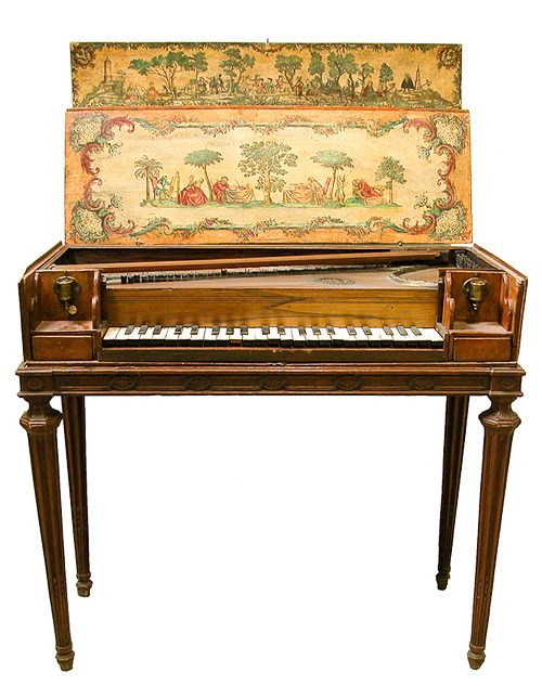 Love this piano. Looks like 18-19th century.