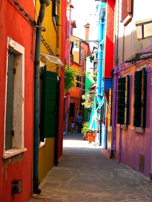 bluepueblo:  Narrow Street, Burano, Italy photo via getout
