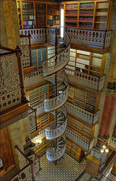 bluepueblo:  Spiral Staircase, Law Library, Des Moines, Iowa photo via odd