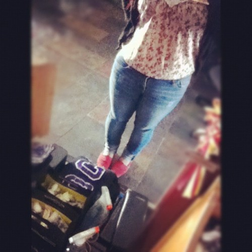 #OOTD #vintageshirt #toms #redtoms #jeans #cardigan  (Taken with Instagram)