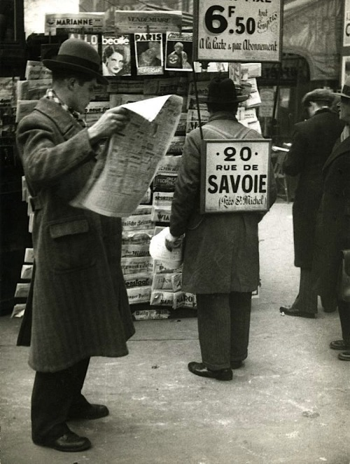 André Kertész At the Newsagent, Paris, 1934