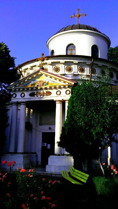 ….#photography #church #Bucharest(from @VEBO on Streamzoo)