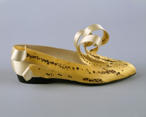 via omgthatdress: banana shoes! from the met! <3 omgthatdress:  Shoes Isabel Casanovas, 1989 The Metropolitan Museum of Art