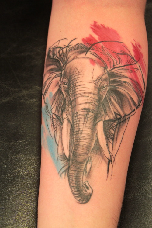 fuckyeahtattoos:  Done in 3hs. I am in love with Elephants and it has a familiar meaning to me. Elephants represent power, stability, family and companionship like no other animal. Done by Bacon @Gatto Matto. Campinas-SP, Brazil.