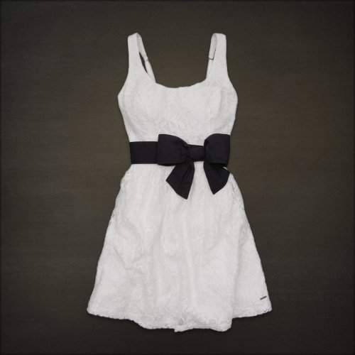 cutesyclothesy:  Little Harbor Dress HollisterCo.com - $69.50