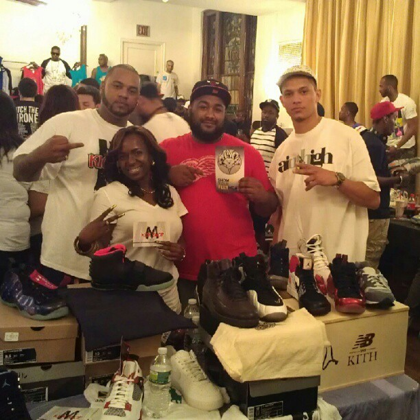 #MclarenKickShop #SoleGod @tynitty411 @bashlife @iamuzik …..#sneakers #kicks #smyfh #feetheat #divaboostylesnyc #NYC  (Taken with Instagram at Zanger Hall)