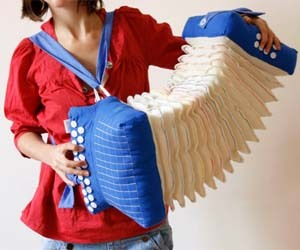 Accordion Pillow, from ThisIsWhyImBroke.com http://bit.ly/NpItbs