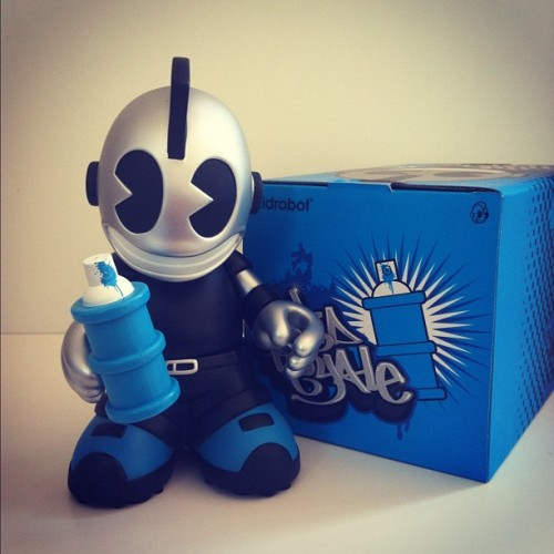 Brand new!!👌😁#kidroyale #kidrobot #toys #toysrevolution #vinyltoys #pictoftheday #popular #instagram #iphone  (Tomada con Instagram)