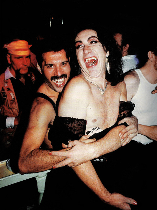 http://fuckyeahmercury.tumblr.com/post/25820068423/freddie-with-david-wigg-at-freddies-39th-birthday