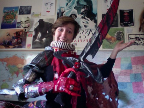 The Coop Cosplay OOOooooo armour and a sword just finished drying!! I'll take some pictures later because I might be able to finish up Bec Noir today!