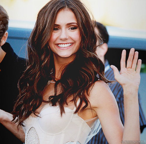 100 photos of Nina Dobrev (82/100)