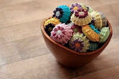 Oh so lovely!  More gorgeously crocheted pincushions by namolio