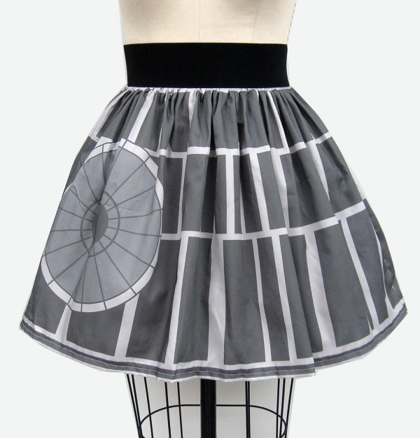 purple-lightsaber:  This skirt is no moon. Buy it on Etsy.